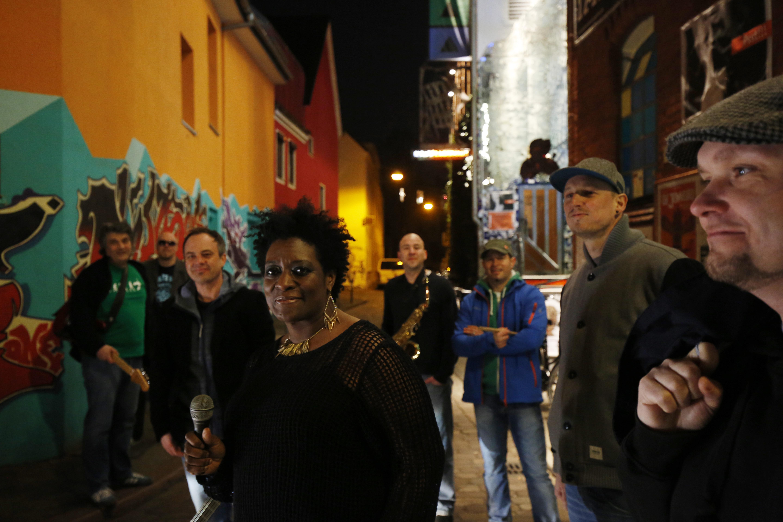 Band Soulrender mit new soulsister Janine Smith, im März 2015 in Bremen