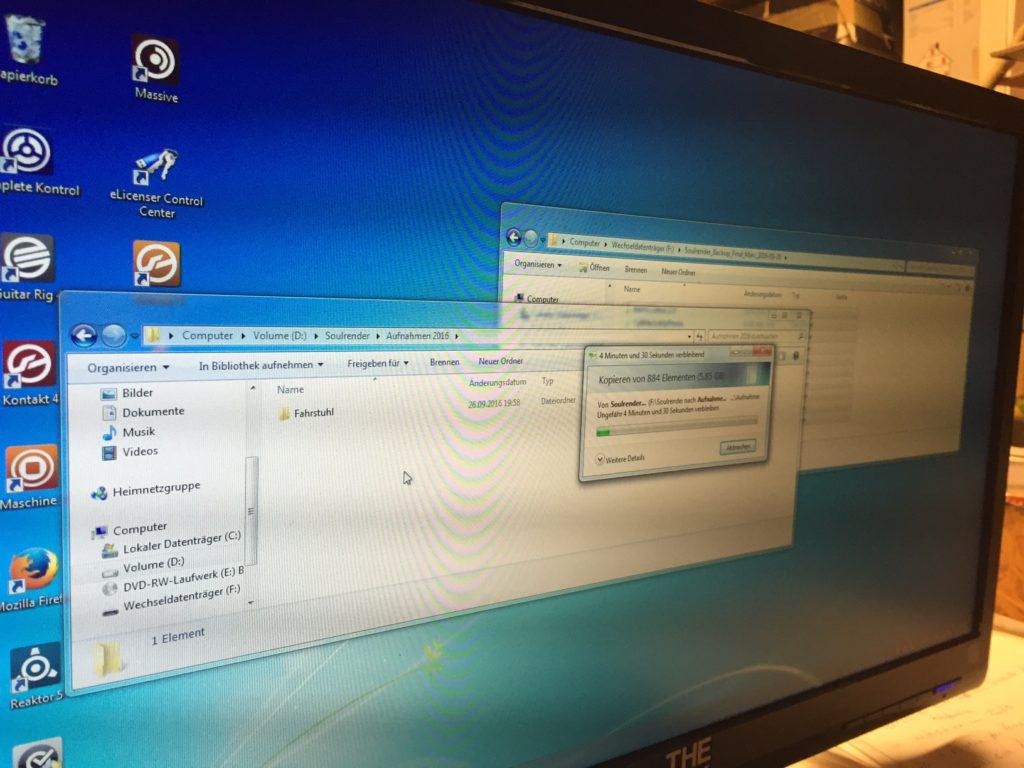 Los geht's... schön die Daten futtern... Lieber Computer...